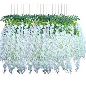 Artificial wisteria